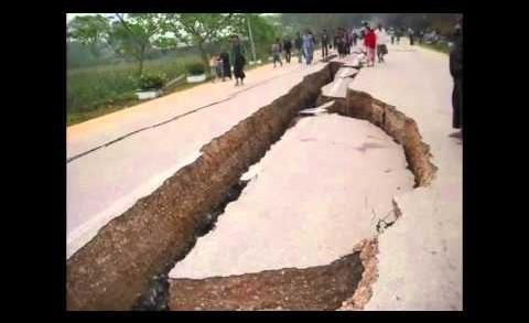 Breaking News – Earthquake in Nepal,India. 25 April 2015