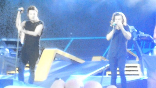 18 – One Direction | First time live, OTRA Brussels 13/06/15