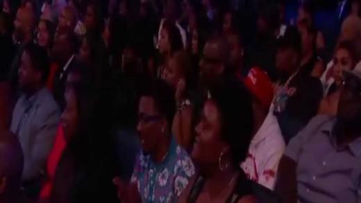 BET Awards 2015 : Tori Kelly, Robin Thicke and Ne-Yo Salute Smokey Robinson