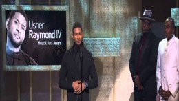 BET Honors 2015  Usher's Emotional Moment Unedited ‪#‎BETHonors‬