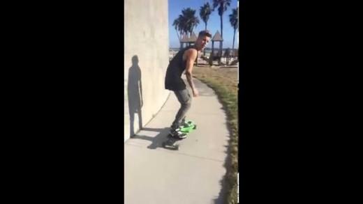 Justin Bieber via Fahlo: Fun times at Venice.. Throwback skateboarding Los Angeles September 23 2014