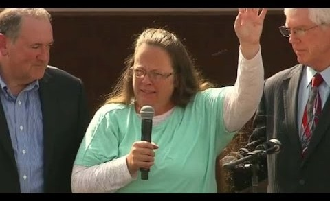 Kim Davis reacts to her release