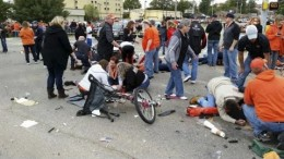 3 dead, 22 injured after car crashes into Oklahoma State homecoming parade