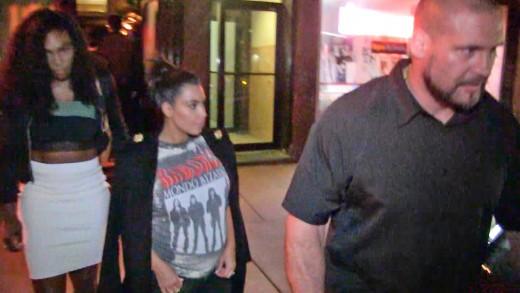 Serena Williams Dinner w/ Kim Kardashian… Before Battle with Sister